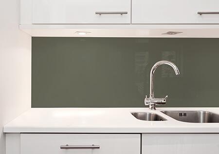 Glassplate kjøkken mørk grønn trendfarge 2019