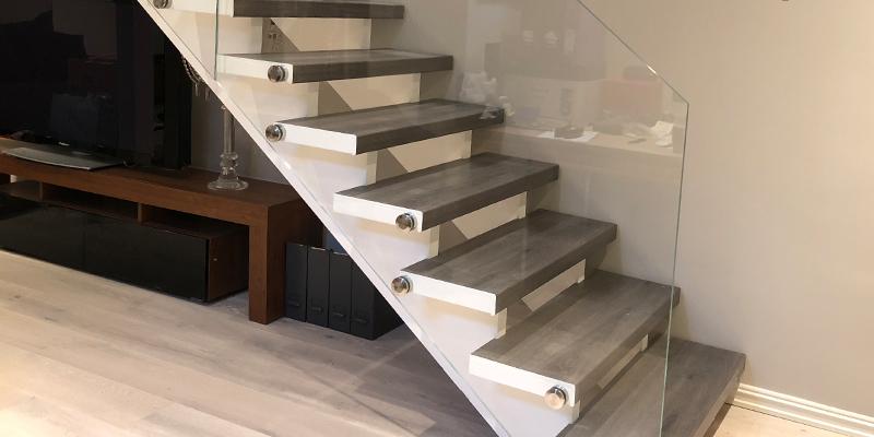 Glassrekkverk til trapp inne ferdig montert av Glassmester1