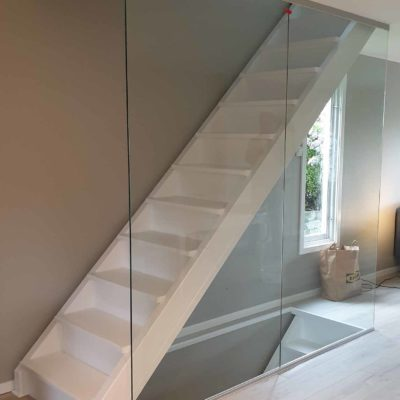 Glassvegg i trapp