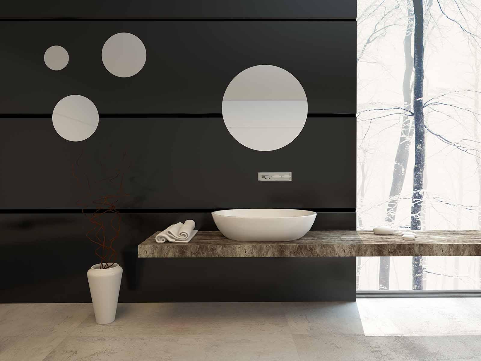 Moderne bad med runde speil med dekorativ funksjon