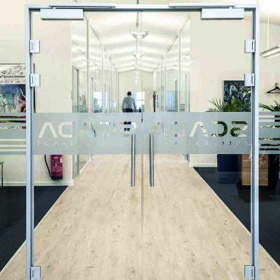 Doble glassdører til kontor
