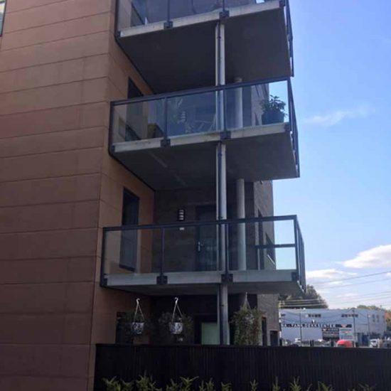 Glassrekkverk til balkonger