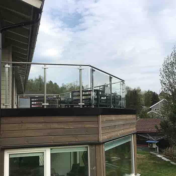 Glassrekkverk til terrasse