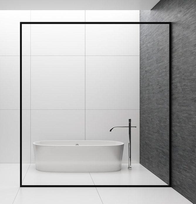 Stor badekarvegg med svart ramme, tilpasset på mål