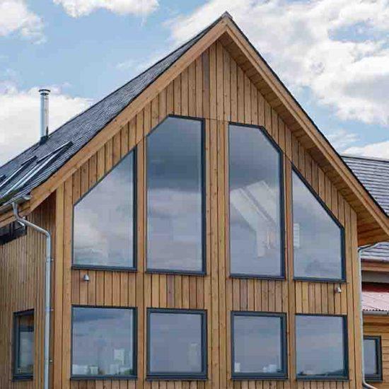 hus med store vinduer med 2- eller 3-lags glass
