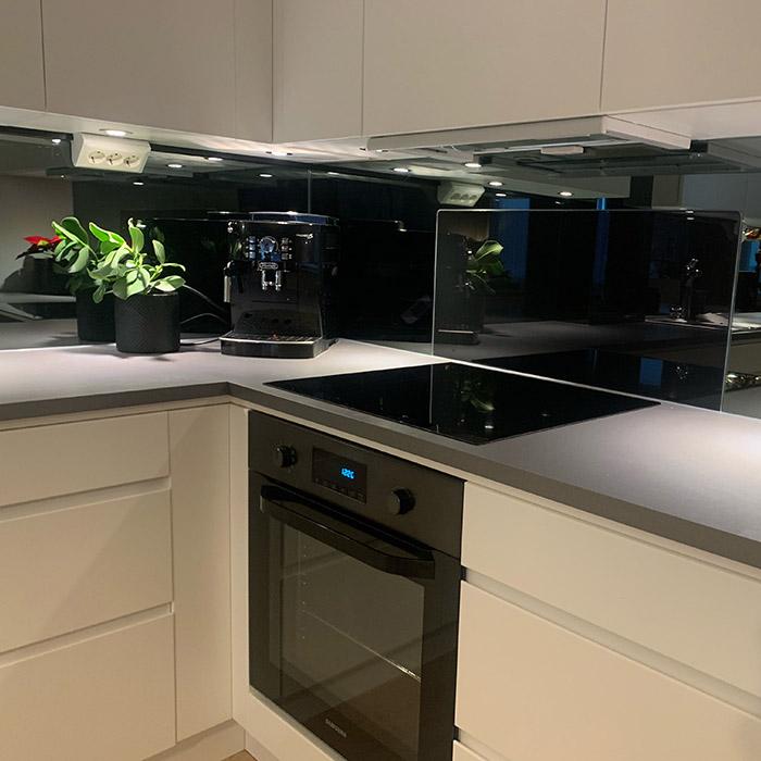 Sotet-speil-på-kjøkkenet-01-700x700