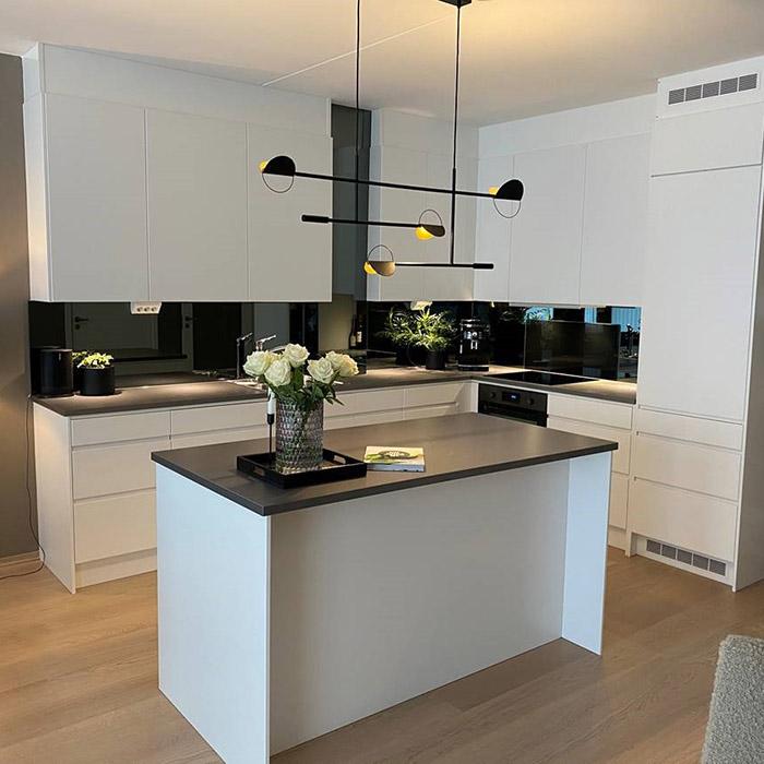 Sotet-speil-på-kjøkkenet-04-700x700