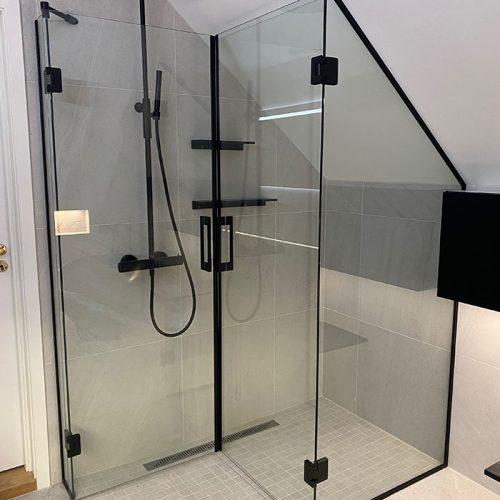 Romslig dusj på lite bad | Glassmester1