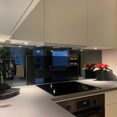 Sotet-speil-på-kjøkkenet-03-700x700